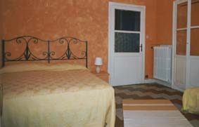 beatiful historical building just restored(march 2004) This  two-bedroom serviced apartment is 90 sq.m ,  and can sleep 3 people maximum.  The apartment has 1 bathroom. The minimum length of stay for
